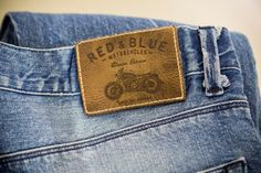 Hot printed leather label made in Italy by Panama Trimmings #denim #details #vintage #wax