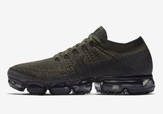 """Updated on June 22nd 2017: The Nike Air VaporMax """"City Tribes"""" releases on July 7th, 2017 for $190. The Nike VaporMax is ready for deployment with this upcoming Cargo Khaki colorway in early July. The colorway of the shoe with … Continue reading → Melhores Tênis, Tênis Para Corrida, Tênis De Corrida Para Homens, Tênis Air Max, Sapatilhas, Moda Sneakers, Os Originais, Tênis, Chinelos"""