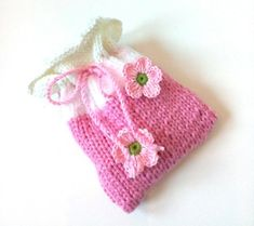 Kirschkernkissen Wärmekissen Säckchen * Blumen * Cherry Seeds, Wool Pillows, Thread Crochet, Knitting Yarn, Crochet Flowers, Merino Wool, Etsy, Cool Stuff, Worth It