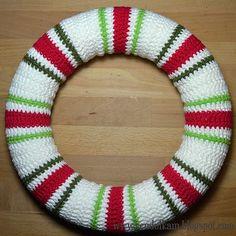 Crochet Christmas wreath by VendulkaM
