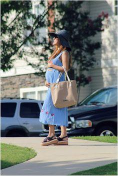 Pregnancy look. Eugenia Molina