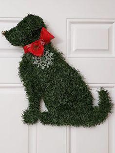 Handmade Labrador Retriever Wreath Dog Christmas Puppy X-mas Indoor / Outdoor Lab Christmas Branches, Christmas Wreaths To Make, How To Make Wreaths, Christmas Tree Ornaments, Christmas Decorations, Holiday Decor, Winter Wreaths, Spring Wreaths, Summer Wreath