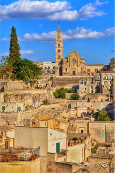 Matera, Basilicata, Italy // I wanted to go here so badly last time we went. Too bad its in the southern portion of the country