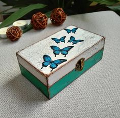 Vintage Papier Mache Handpainted Small Trinket Jewelry Box Floral Butterfly Black Handmade Birthday Mothers Valentine Day Gift for her wife