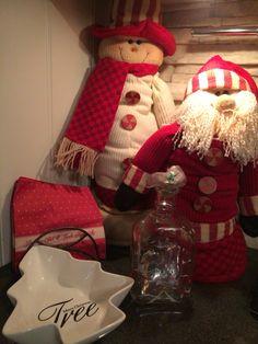 Chritsmas ddecorations Christmas Stockings, Holiday Decor, Home Decor, Homemade Home Decor, Decoration Home, Interior Decorating