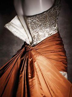 Details |  Balenciaga Exhibit - Queen Sofia Spanish Institute