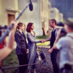 NEW Behind the Scenes Photo from the DIVERGENT Set with Shailene Woodley & Ashley Judd