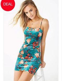 teal crushed velvet floral dress on Mercari Vestidos Chiffon, Forever 21 Floral Dress, Striped Crop Top, Crushed Velvet, Vintage Style Outfits, Pretty Dresses, New Dress, Latest Trends, Dresser