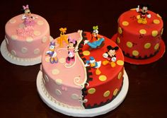 Mickey and Minnie cakes. Good idea when you have a double celebration !