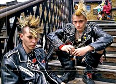 cool looking punks Harajuku Fashion, Punk Fashion, Estilo Punk Rock, Mode Punk, Punk Boy, Goth Glam, Romantic Goth, Chelsea Girls, Hot Teens