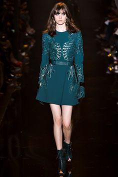 Sfilata Elie Saab Parigi - Collezioni Autunno Inverno 2015-16 - Vogue