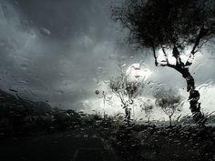 Liquid Essence    13.12.2011 Praia a Mare (CS), Italy.    La foto è stata scattata a mano libera e non ha subito ritocchi ma solo un resize.    This is a freehand SOOC photo, there is no editing, just a resize (SOOC = Straight Out Of Camera).    :-{Album Flickr}-:-{Blog Fotografico}-: