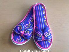 Ve que padre idea para las pantuflas! Obvio con base azul rey    pantuflas_mexicanas_redondas_03.jpg
