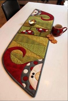 Quilted snowman runner