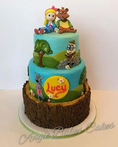 Goldie and Bear themed cake