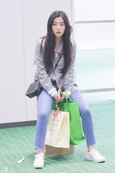Your number one Asian Entertainment community forum! Kpop Fashion, Korean Fashion, Girl Fashion, Fashion Outfits, Airport Fashion, Seulgi, Red Velvet Irene, Velvet Fashion, Kpop Outfits