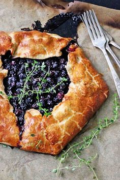 SO SIMPLE! Blueberry Galette with Cornmeal Thyme Crust from insockmonkeyslippers.com perfect for #july4th