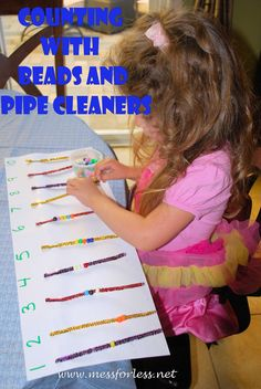A Fine Motor Activity for Preschoolers. Stringing beads onto pipe cleaners. they could count, color match and build fine motor skills. Preschool Learning, Kindergarten Math, Learning Activities, Preschool Activities, Preschool Teachers, Teaching, Fun Learning, Number Activities, Learning Centers