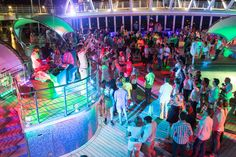 Dancing Under the Stars Poolside Party on Enchantment of the Seas (photo: Cruise Critic) Aruba Cruise, Cruise Travel, Cruise Vacation, Norwegian Sky Cruise, Enchantment Of The Seas, Celebrity Summit, Short Cruises, Southern Caribbean Cruise, Best Cruise Lines
