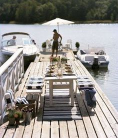 I love the banister along the dock. We could do this if we expanded the dock outward.