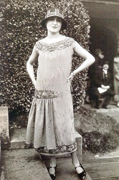 Beautiful 1920s warm weather style fashion