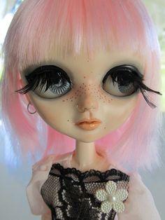 CUSTOM PRIZELLA by Art Dolls of Kaerie Faerie, via Flickr, www.internationaldollhouse.com