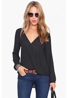 Blusa sexy con escote en V de kaleidoskopic.