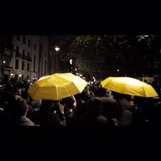 v/ @SiChunLam from today's #GlobalforHK demo in London, in solidarity w/ #UmbrellaMovement for democracy in Hong Kong