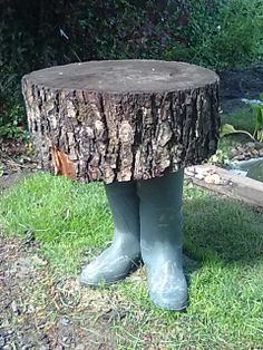 rondin de bois on pinterest logs stools and yard waste. Black Bedroom Furniture Sets. Home Design Ideas