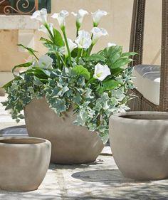 Idee giardino fai da te aiuola con sassi o blocchi for Piantine da esterno