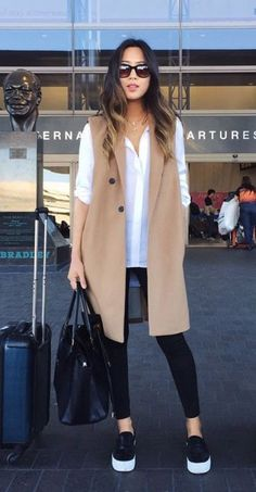 Airport outfit ideas that are so stylish and comfortable Outfits Nachstylen, Fall Outfits, Casual Outfits, Fashion Outfits, Womens Fashion, Travel Outfits, Fashionable Outfits, Casual Wear, Long Vests