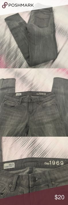 GAP Always Skinny Jean Very good lightly used condition, gap, always skinny size 26 gray colored Jean. GAP Jeans Skinny