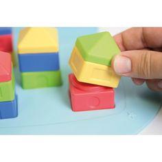 ATELIER REPÉRAGE SPATIAL HOP375  Ces beaux coffrets de jeu permettent de travailler le repérage spatial. A partir des 24 pièces de 3 types et de 4 couleurs, il s'agit de reproduire un modèle en respectant l'orientation et la couleur. Difficultés progressives. En plastique. 2 modèles : Atelier 1 (18 pièces/24 fiches) dès 3 ans et Atelier 2 (24 pièces/24 fiches) dès 4 ans.