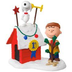 Linus Peanuts® Gang Christmas Light Show | More Peanuts gang and ...