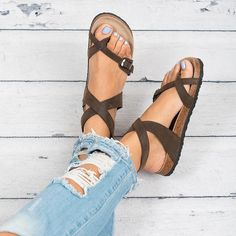 This causal sandals are sure to become a go-to favorite!. Size: We recommend that yousize up since this style have been running small based on customerfee