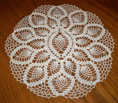"Beautiful Vintage Hand Crocheted Lace Doily 15"" Diameter Estate Item Ivory NICE"