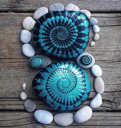 Spiralen aus Steinen.