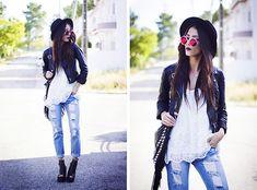 http://lookbook.nu/look/6263751-Zerouv-Sunnies-Bershka-Top-Wholesale7-Jeans