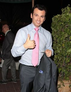 Tony Dovolani - Tony Dovolani Grabs Dinner at Madeo
