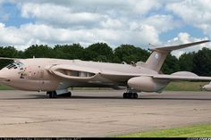 """FoxbatRU favorite!"" | Photo Album by foxbatavia503 | Airliners.net UK - Air Force REG: XM715 Handley Page HP-80 Victor K2 Bruntingthorpe England, United Kingdom - May 25, 2014"