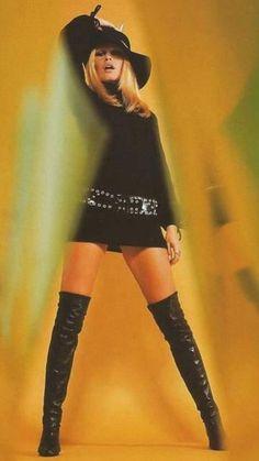New Style Icons Women French Girls Brigitte Bardot Ideas Bridgitte Bardot, Style Année 60, Style Icons, Trendy Style, Jane Birkin, 1960s Fashion, Trendy Fashion, Hollywood Fashion, Boho Outfits