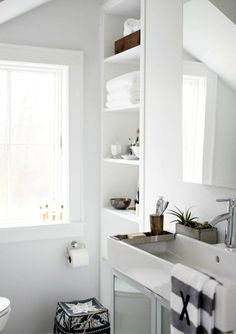 Bathroom with a Scandinavian feel