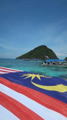 O paraíso azul das ilhas Perhentian, Malásia | Viaje Comigo Malaysia Truly Asia, Cameron Highlands, Kuala Lumpur, Islands, Traveling, Blue