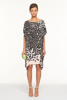 Worn by DVF to the Spring Runway Show, the Diane Hanky Dress is a stand-out silhouette for Spring. The season's Falling Marks print adds depth and pairs perfectly with a Sala heel for day or night.