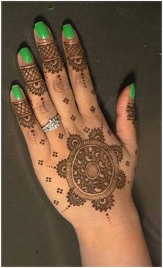 ****I like the fingertip design! Beautiful Hand Round Mehndi Design