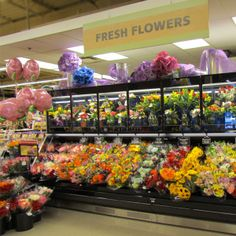 Store display at 10th & Reed of Fresh Flowers available. #ACMEMarkets