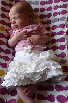 diy newborn ruffle skirt