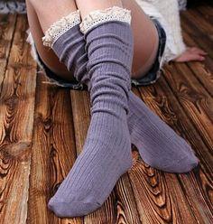 Hermosa moda de alta calidad de arranque calcetines hasta la rodilla calcetines altos cordón de las mujeres de arranque calcetines con volantes Calcetines 10pair = 20pcs / lot