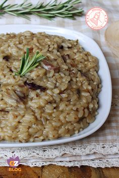 Risotto al radicchio Sin Gluten, Rice Recipes, Healthy Recipes, Recipies, European Cuisine, Rice Pasta, Spaghetti, Easy Weeknight Dinners, Rice Dishes