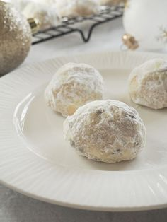 Chocolate Snowball Cookies | Fake Ginger | Bloglovin'